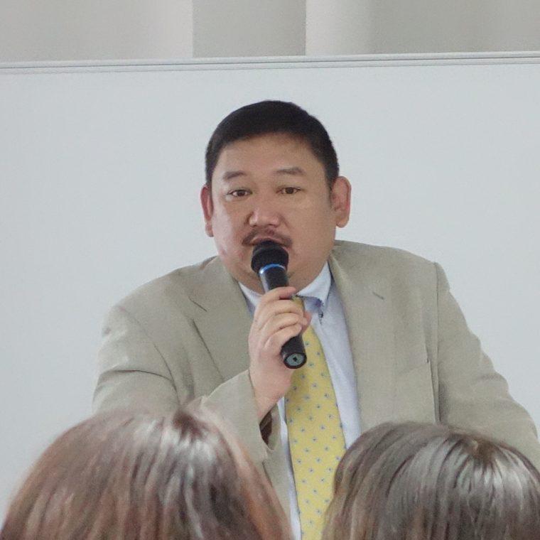 平野敦士カール氏